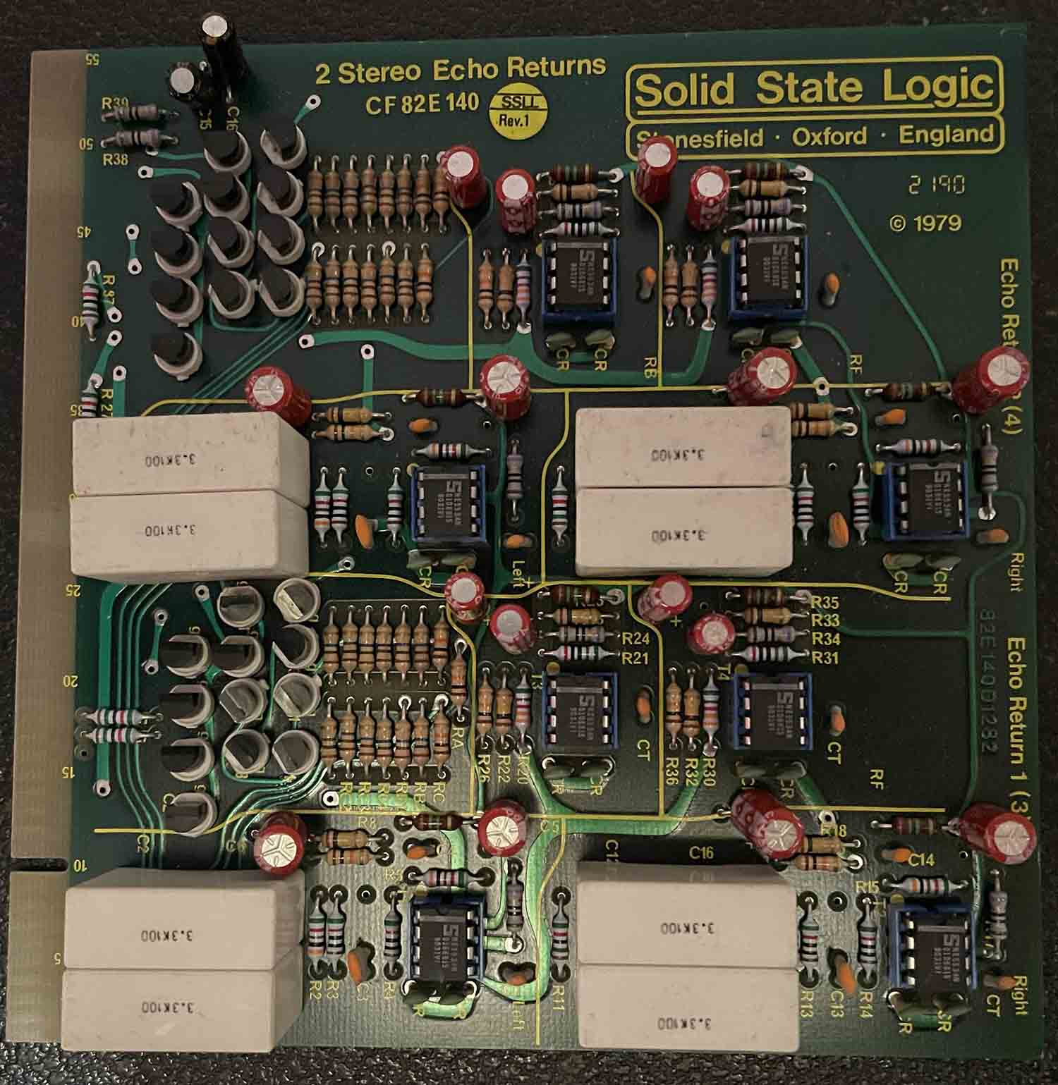 CF82E140 2 STEREO ECHO RETURNS
